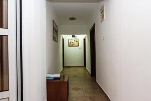 Guesthouse Monte Top Ksenia D, Penzióny  Budva - big - 23