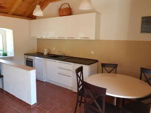Villa Zabrdje, Prázdninové domy  Lustica - big - 14