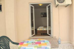 Guesthouse Monte Top Ksenia D, Penzióny  Budva - big - 117