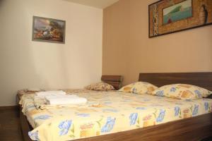 Guesthouse Monte Top Ksenia D, Penzióny  Budva - big - 120