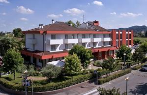 Prenota Hotel Lo Zodiaco