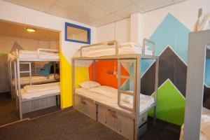ドミトリールーム(14人部屋) 二段ベッド1名分