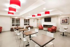 Microtel Inn & Suites by Wyndham Sudbury, Hotely  Sudbury - big - 24