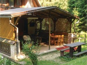 Six-Bedroom Holiday Home in Stefanov nad Oravou, Holiday homes  Horný Štefanov - big - 15