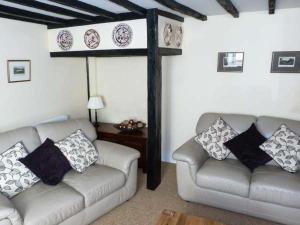 Weirside Cottage