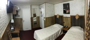 Twin Room with Court View