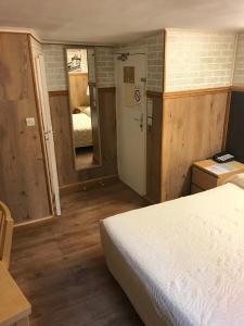 Double Room with Court view