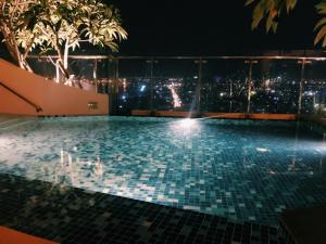 T&T Apartment - Icon56 Rooftop Pool, Apartments  Ho Chi Minh City - big - 5