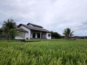 Mawat Villa, Дома для отпуска  Куах - big - 16