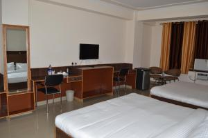 Hotel Singh Axis, Bed and Breakfasts  Udhampur - big - 10