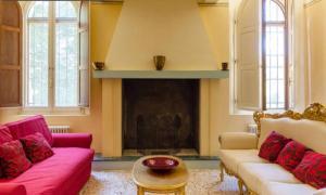 Signorile Appartamento con Piscina - AbcAlberghi.com