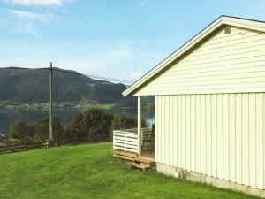 Two-Bedroom Holiday home in Averøy 1, Case vacanze  Karvåg - big - 13
