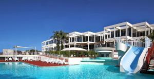 Absolute Beachfront Opal Cove Resort
