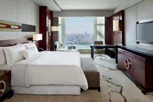 Executive Premium King Room with One Breakfast