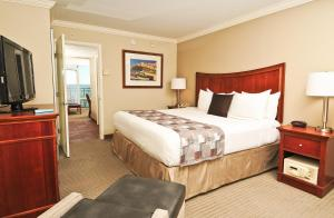 King Suite - Oceanfront Building