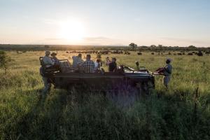 Pungwe Safari Camp, Chaty v prírode  Manyeleti Game Reserve - big - 8