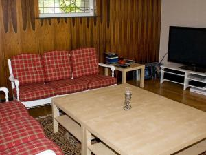 Five-Bedroom Holiday home in Örkelljunga, Prázdninové domy  Åsljunga - big - 31
