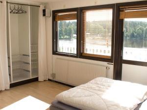 Five-Bedroom Holiday home in Örkelljunga, Prázdninové domy  Åsljunga - big - 10