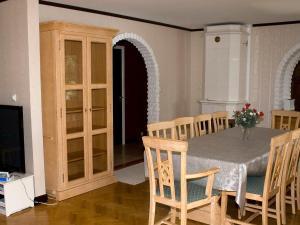Five-Bedroom Holiday home in Örkelljunga, Prázdninové domy  Åsljunga - big - 9