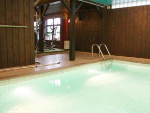 Five-Bedroom Holiday home in Örkelljunga, Prázdninové domy  Åsljunga - big - 38