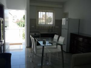 Sandy Beach Apartment 13, Apartments  Voroklini - big - 49