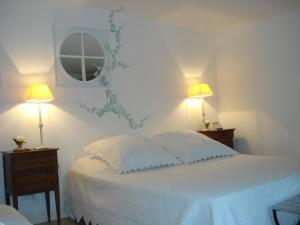 Lou Ventoulet, Bed & Breakfasts  Mouriès - big - 4