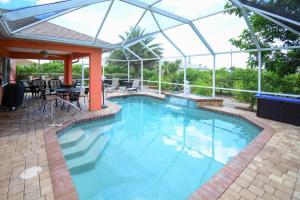 2216 NE 5th Place Home Home, Holiday homes  Palmona Park - big - 1