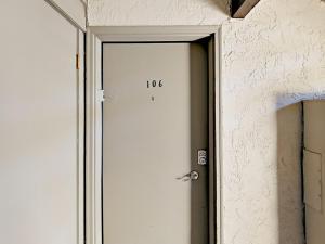 039211 Hwy 6 Condo Unit C106 Condo, Apartmány  Harrison - big - 4
