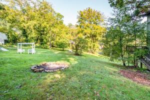 49 Atkins Loop Home Home, Holiday homes  Lake Junaluska - big - 4