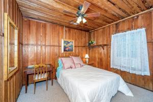 49 Atkins Loop Home Home, Holiday homes  Lake Junaluska - big - 9