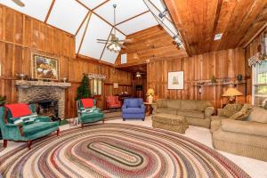 49 Atkins Loop Home Home, Nyaralók  Lake Junaluska - big - 12
