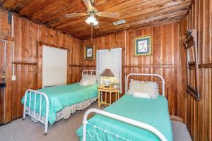 49 Atkins Loop Home Home, Nyaralók  Lake Junaluska - big - 13