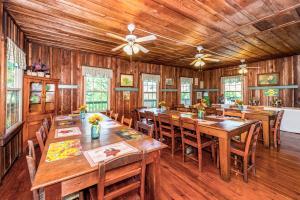 49 Atkins Loop Home Home, Nyaralók  Lake Junaluska - big - 23