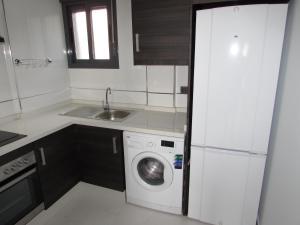 ALEGRIA ID19, Holiday homes  Playa Flamenca - big - 34