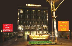Hotel Golden Grand, Hotely  Dillí - big - 1