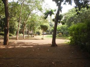Med Mid Town Apt, Apartmány  Bombaj - big - 68