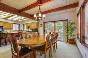 Tokatee 2 Holiday Home, Case vacanze  Sunriver - big - 21