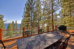 Lodgepole Drive Holiday Home, Nyaralók  Incline Village - big - 8