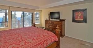 Lodgepole Drive Holiday Home, Holiday homes  Incline Village - big - 10