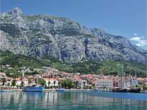 Two-Bedroom Apartment Makarska 05, Apartmány  Makarska - big - 14