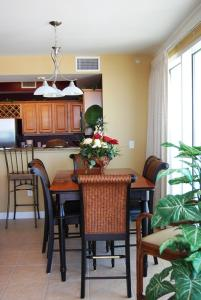 Indies 501 Condo, Apartmanok  Fort Morgan - big - 12