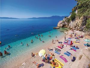 Two-Bedroom Apartment with Sea View in Rijeka, Appartamenti  Turan - big - 20