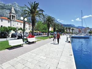 Apartment Makarska with Sea View XII, Апартаменты  Макарска - big - 13