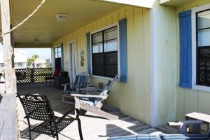 L.A. Getaway Home, Holiday homes  Fort Morgan - big - 17
