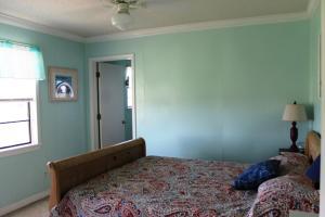 L.A. Getaway Home, Holiday homes  Fort Morgan - big - 2