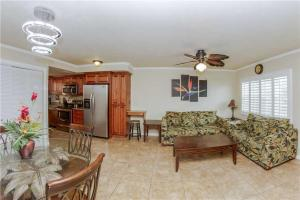 #223 At Surf Song Resort, Apartmány  St Pete Beach - big - 4