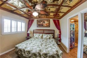 #223 At Surf Song Resort, Apartmány  St Pete Beach - big - 15