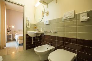 Hotel Brasil, Hotels  Milano Marittima - big - 37
