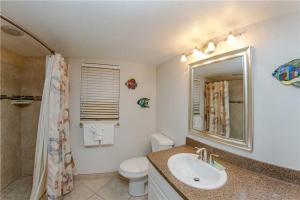 #229 At Surf Song Resort, Apartments  St Pete Beach - big - 7