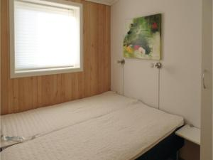Four-Bedroom Holiday home Farsund with Sea View 09, Nyaralók  Farsund - big - 14